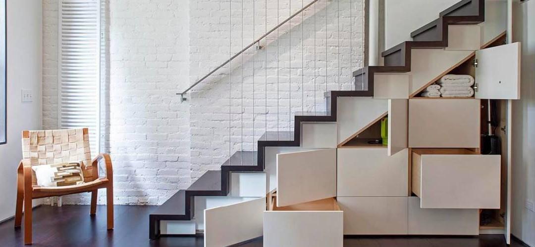 ¿Cómo aprovechar el espacio bajo la escalera en reformas de viviendas?