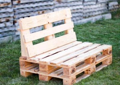 sofa-con-palets-de-madera
