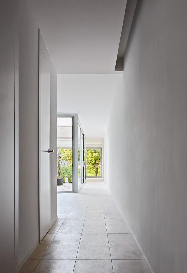 patio interior casa moderna