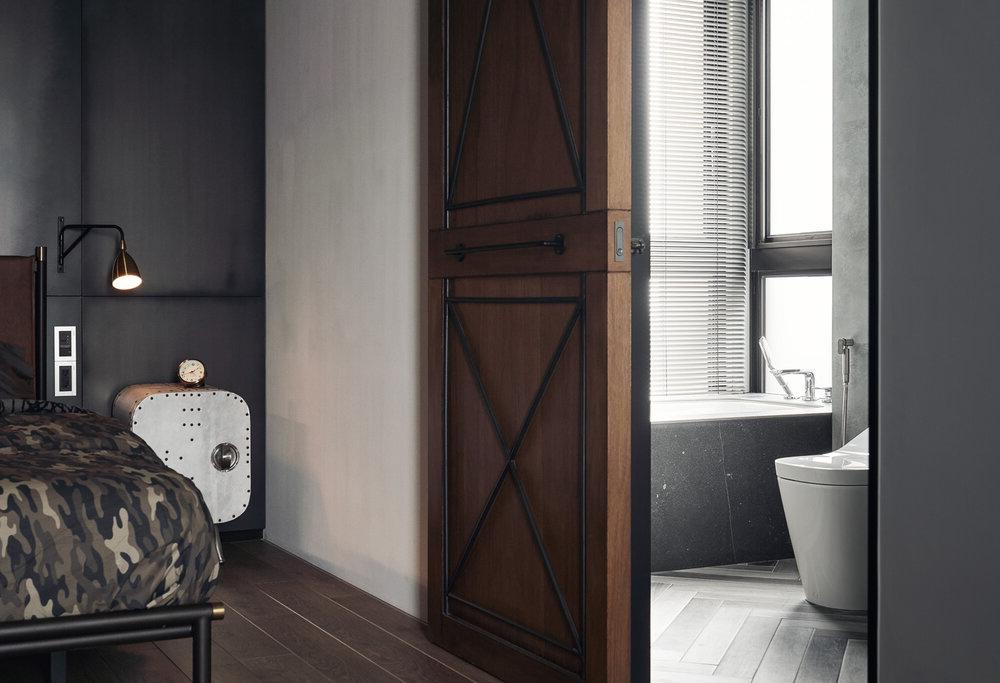 puerta madera vivienda moderna