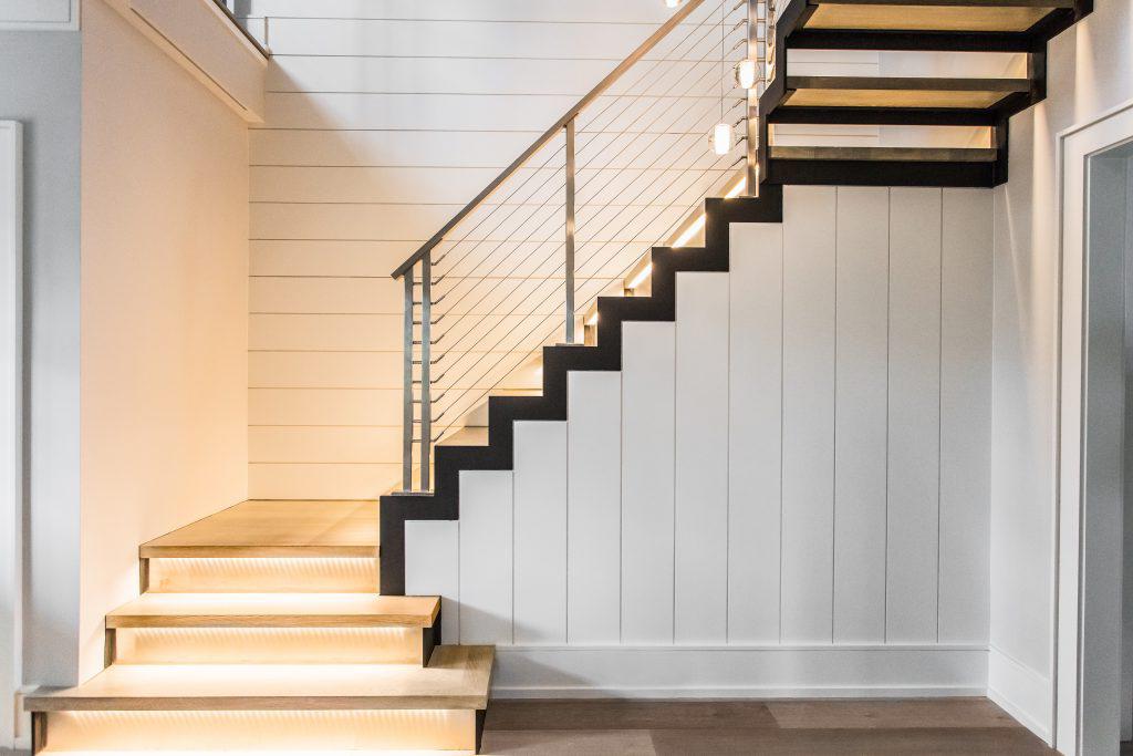escalera revestida madera